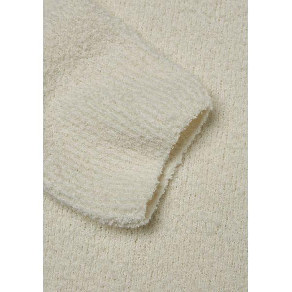K.C.A-Fine-Moss-Round-Neck-Knit-white3