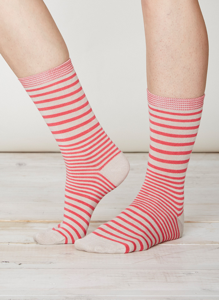 SPW220-Lillian-Bamboo-Socks-Raspberry-Front