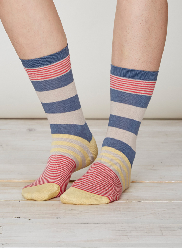 SPW218-Britta-Bamboo-Socks-Blue-Grey-Front