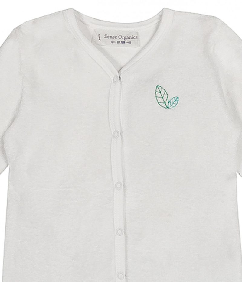 8880722-ysior_baby_natural_sleepsuit_footed-sense_organics-detail_neck_embroidery