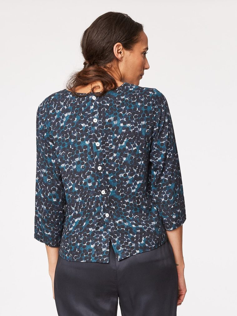 clement-modal-print-top-back-close-wwt3257artcircles.1504634976