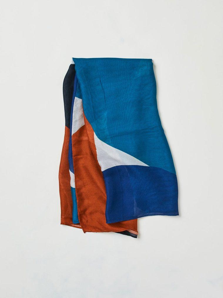 wac3336-raya-patterned-bamboo-scarf-2.1504637259