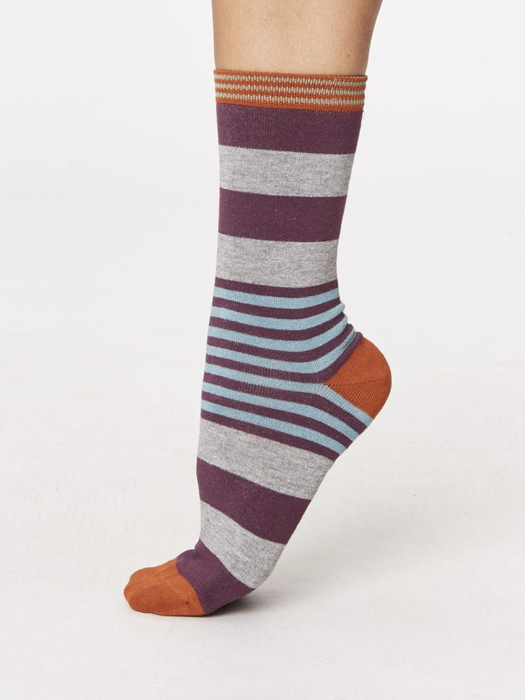 spw238-irena-stripey-bamboo-socks-heather-side-one-foot-spw238heather.1504637105
