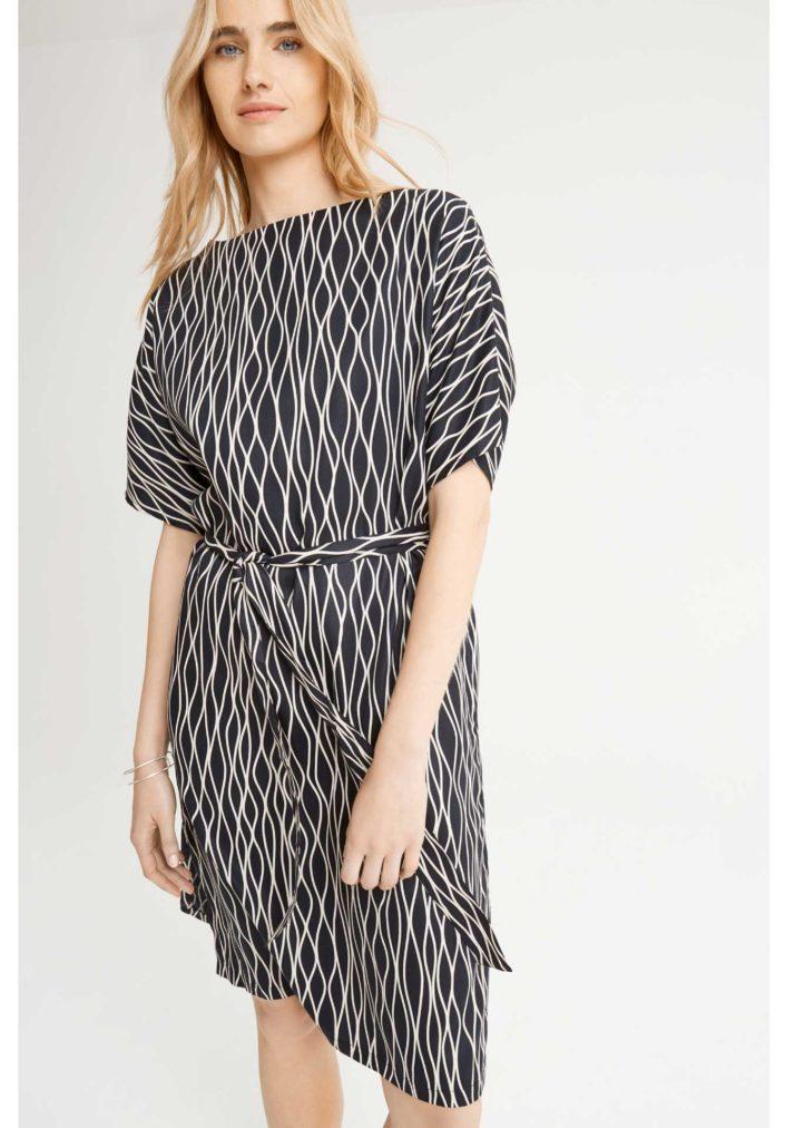 alaina-abstract-dress-in-black-bbf9f9dfee77