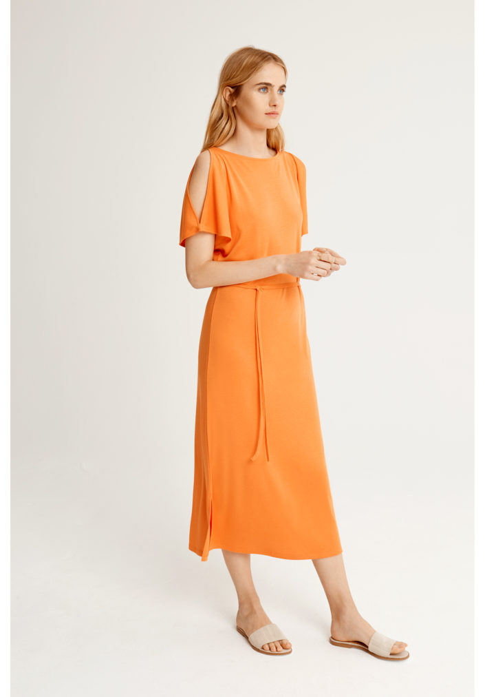 victoria-dress-in-dusty-orange-31a8a09fec5f