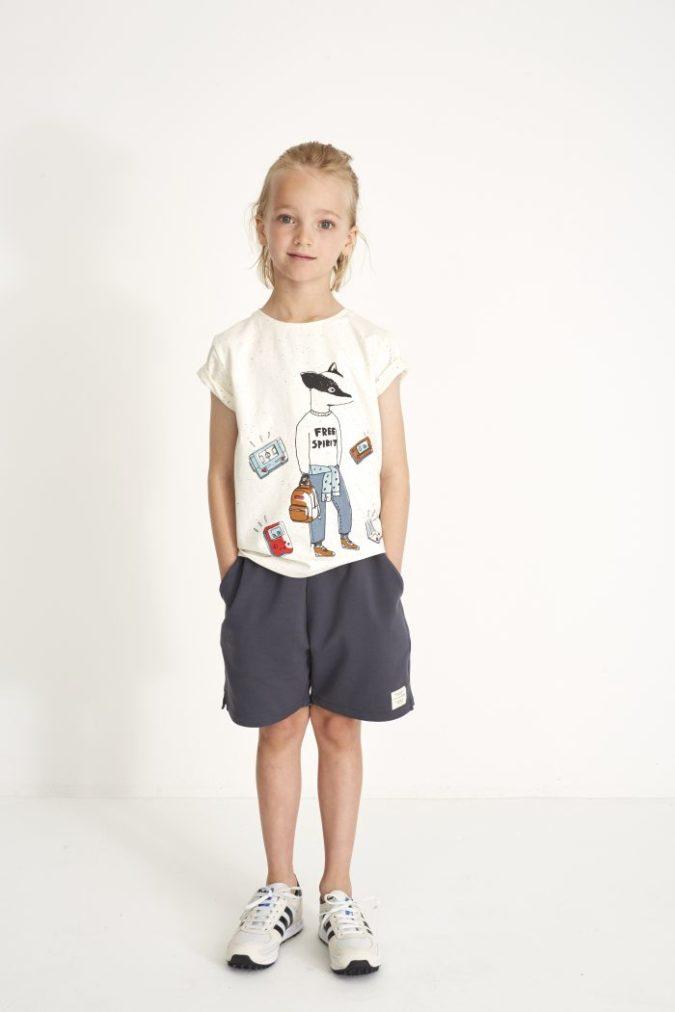 979-123-471-T-shirt-Bass-Desert-Neppy-Gamerboy-Lookbook-700x1050