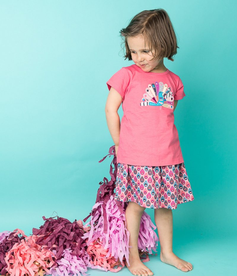 mahima_t-shirt_pink_malia_skirt_feather_print_1