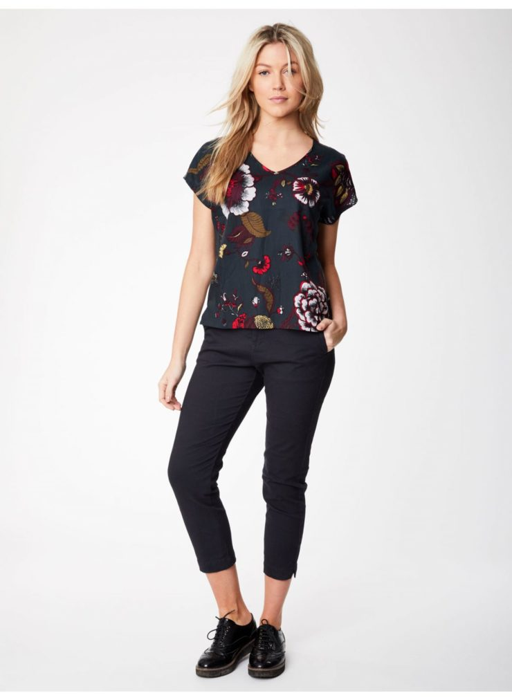 wwt3810-graphite_wwt3810-graphite--pavanne-exclusive-print-tencel-top-0002.jpg