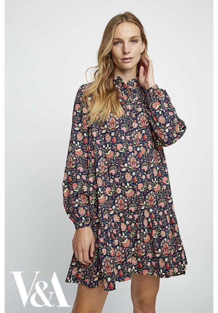 va-yasmin-print-flared-dress-8ae384f8429d1