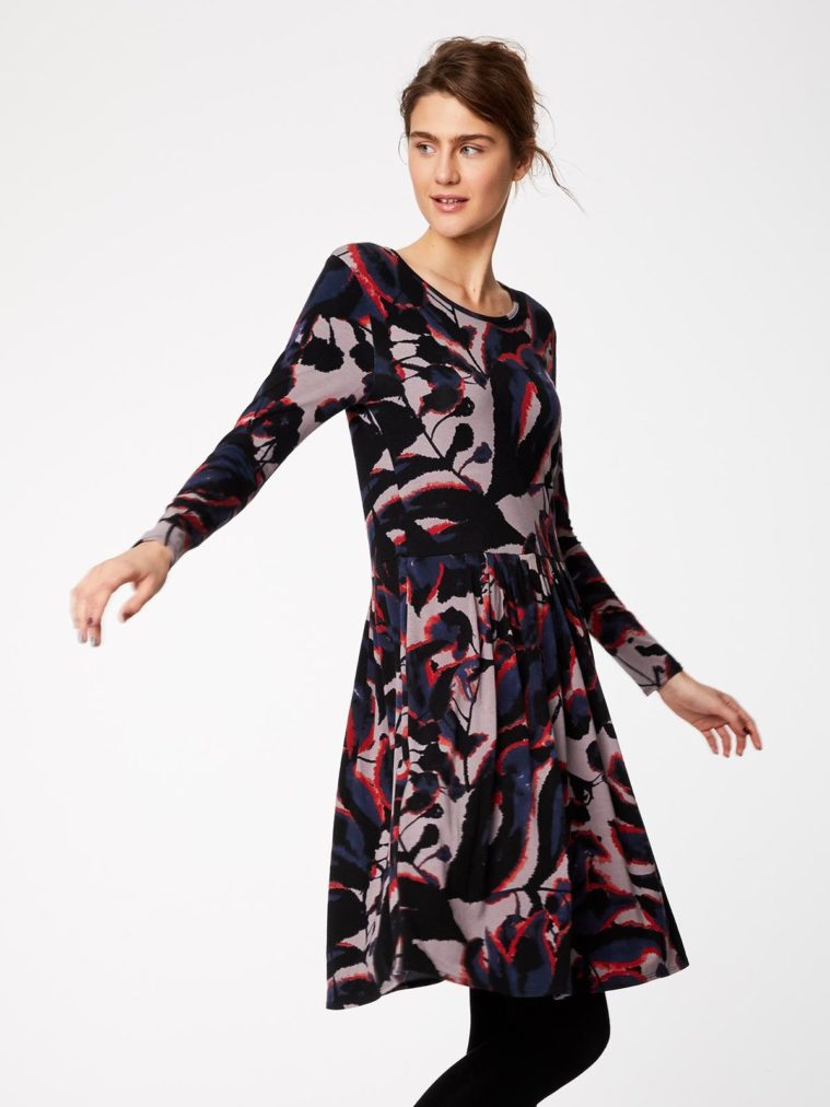 wwd3884-warm-grey_wwd3884-warm-grey--shadow-leaf-fitted-bamboo-dress-0001.jpg