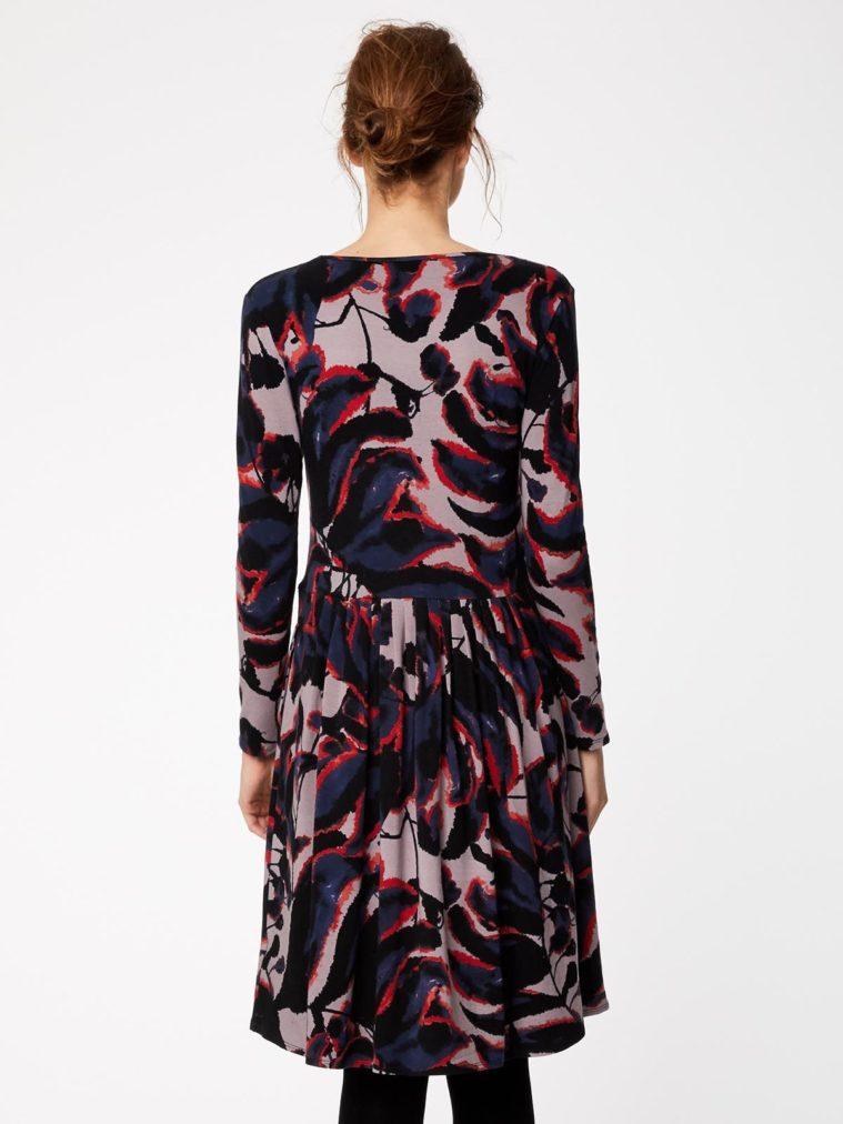 wwd3884-warm-grey_wwd3884-warm-grey--shadow-leaf-fitted-bamboo-dress-0006.jpg