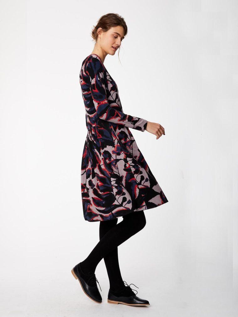 wwd3884-warm-grey_wwd3884-warm-grey--shadow-leaf-fitted-bamboo-dress-0007.jpg