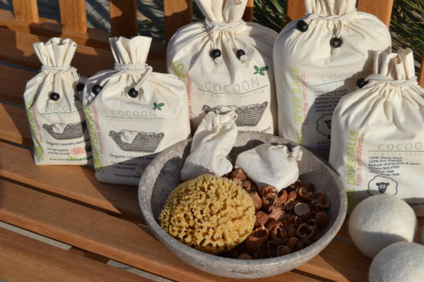 Cocoon-Organic-Laundry-sæbebær-vaskenødder-natursvamp-600x400